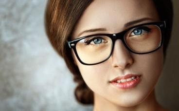 Неправильно підібрані окуляри: перші симптоми та причини