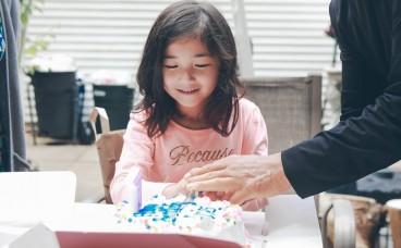 Чи можна дітям носити контактні лінзи